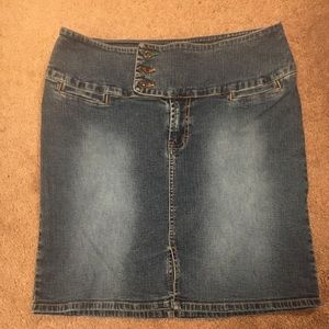 Tommy Hilfiger Denim Skirt size 9 great shape